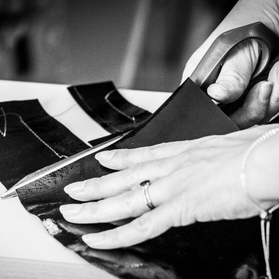 Découpe du cuir - © Julien Leplumey